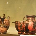 paestum-musee-cratères, lékane, oinocoé ensemble2