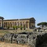 paestum temple d'Héra, dit « temple-de-Poséidon »  450 av J-C avec son environnement2